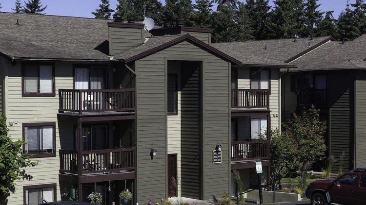 Crown Pointe Apartments