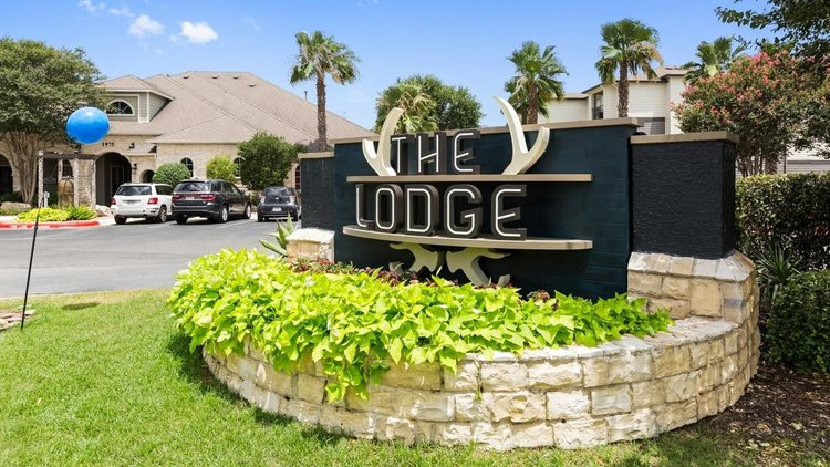 The Lodge at Southwest Apartments